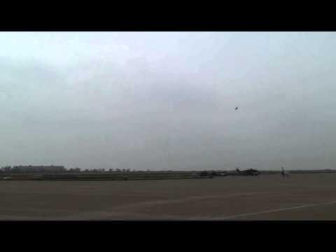 08珠海航展 猎鹰高级教练机飞行表演  L-15 M-346...