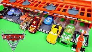 CARS 2 World Grand Prix 10 Car Race Launcher Hot Wheels Toys Disney Pixar Cars Carrying Case