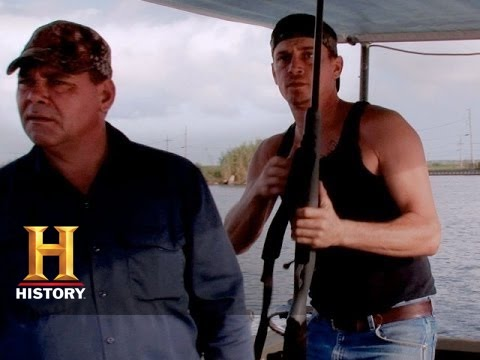 Swamp People: Taking Out the Pirate  (S6, E5) | History