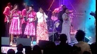 """MUSIQUE RELIGIEUSE """"KUNDA SISTERS """" ( LIVE AU SALON CONCO ) , 20 éme Anniversaire."""