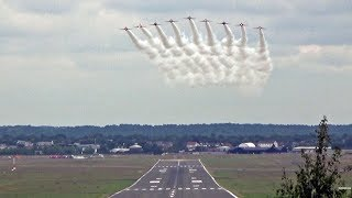 Such a wicked sight seeing the Reds flying straight towards you in formation with smoke on. Great to have them peeling off head on as they perform their awesome, routine, run and break maneuver to land.