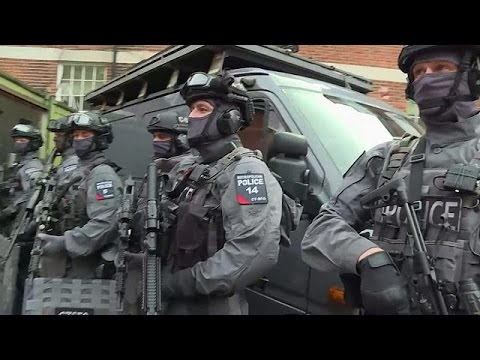 Αυξάνονται οι ένοπλοι αστυνομικοί στους δρόμους του Λονδίνου