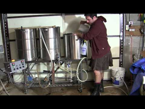 Brewing up an American Pale Ale, All-grain