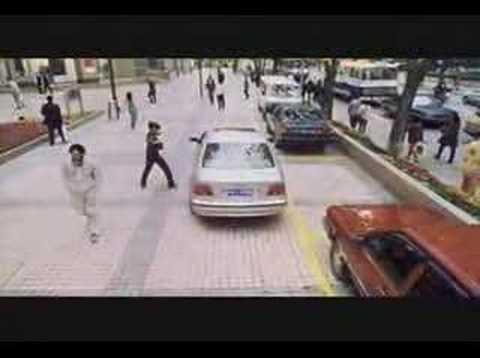 Une chinoise qui se gare très vite