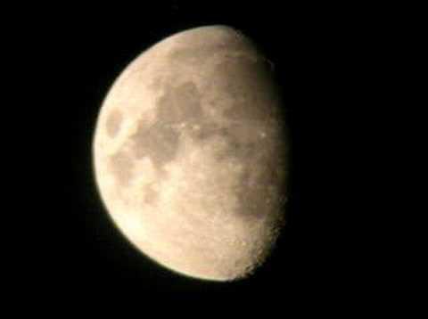 Spunta la Luna dal monte