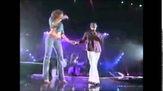 Usher - How Do I Say - live in Puerto Rico