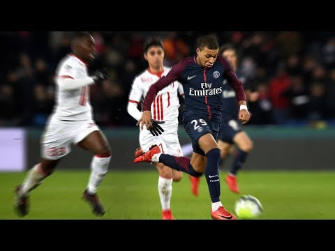 Video Fastest Football Runs 2017/2018 - Amazing Speed download in MP3, 3GP, MP4, WEBM, AVI, FLV January 2017