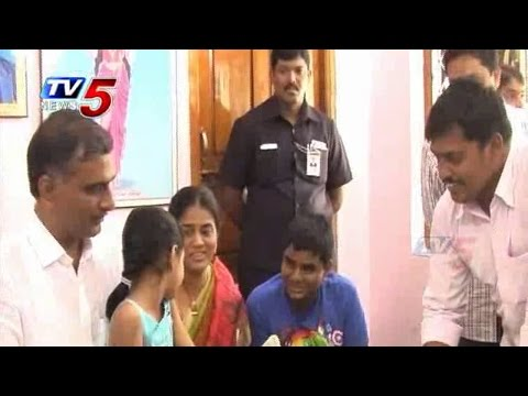 Household Survey | Harish Rao Gives Their Family Details : TV5 News