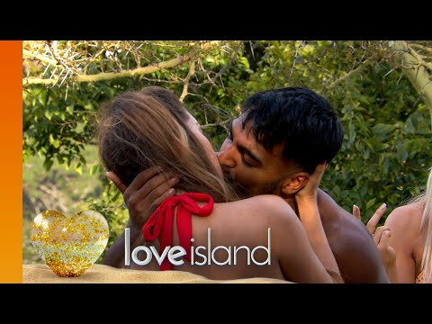 Raunchy Races get the Islanders' hearts racing | Love Island Series 6