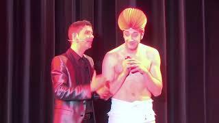 Charlie Martin und Aaron Dewitz als Herr Kasimir