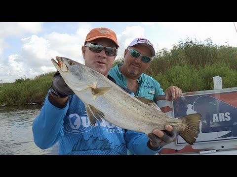 Southwest Outdoors Report #14 Calcasieu Lake, Louisiana Speckled Trout Fishing – 2013