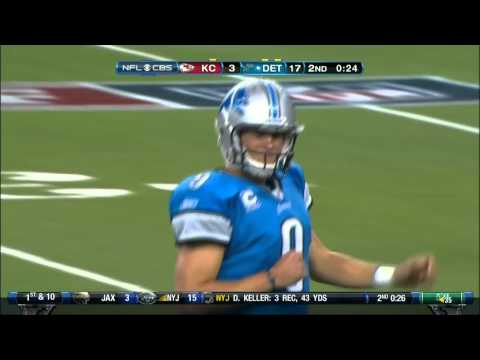 stafford - Stafford showing his accuracy and arm strength.