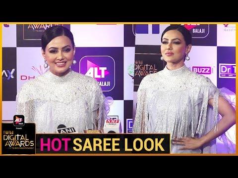 Sana Khan Looks H0T In A Saree | ALT Balaji's IWM