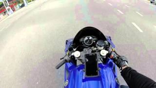 2. Yamaha R1 2006, Why i love the R1