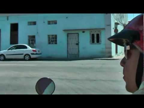 Ride with a CoCo Taxi through Havana Vieja Cuba Ritje met CoCo Taxai door oud Havana Habana Vieja