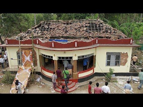 Ινδία: Από βεγγαλικό προκλήθηκε η φονική πυρκαγιά σε ινδουιστικό ναό