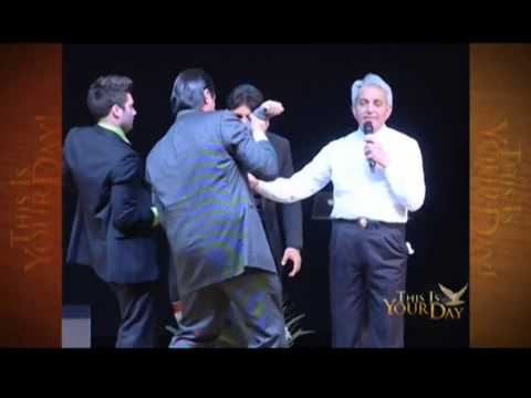 Benny Hinn – Mighty Miracles in Italy