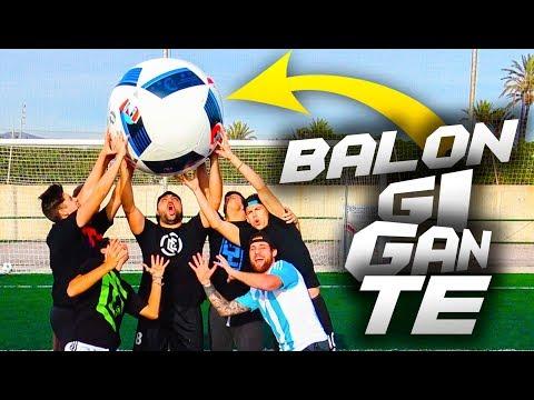 BALÓN GIGANTE!!!!! Retos de fútbol [Crazy Crew]