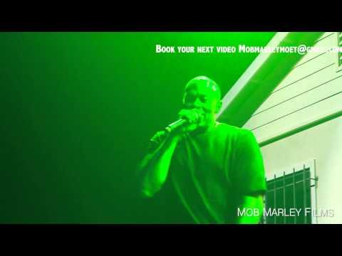 Kendrick Lamar feat. Dr Dre - Compton Official LIVE