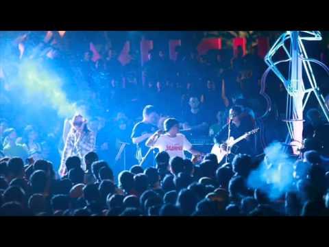 gratis download video - The-Panasdalam-di-Taman-Musik-Bandung