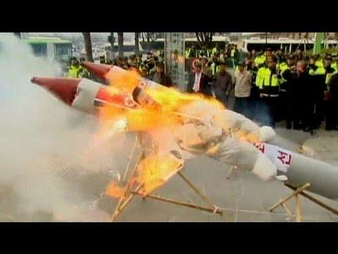 صاروخ كوريا الشمالية الفاشل يثير غضب الكبار - فيديو
