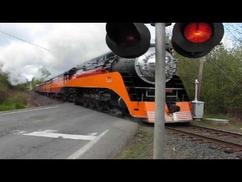 (#1 most viewed train) SP 4449 crossing at  Roberts, Oregon