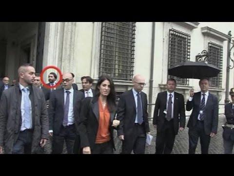 Ιταλία: Υποθέσεις διαφθοράς κλυδωνίζουν τους δήμους Ρώμης και Μιλάνου