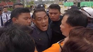 Video [RUSUH] Warga Green Pramuka City dihalangi saat ingin sampaikan surat DPR RI kpd Pengembang MP3, 3GP, MP4, WEBM, AVI, FLV Juni 2018