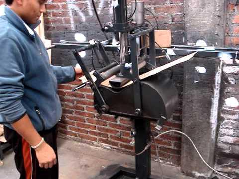 Guitar Side Bending Machine by Rafael Cardiel (Cervantes Luthier, cardiel27@hotmail.com)