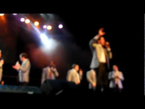 Straight No Chaser - Group Intros - live Tampa 12/23/11