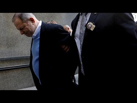 ΗΠΑ: Kατηγορίες για βιασμό απαγγέλθηκαν στον Χάρβεϊ Γουάινσταϊν…