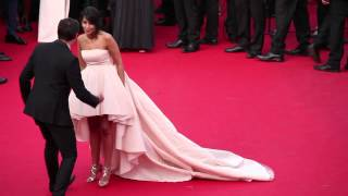 Video Festival de Cannes 2015 : montée des marches 13 mai 2015 MP3, 3GP, MP4, WEBM, AVI, FLV Mei 2017