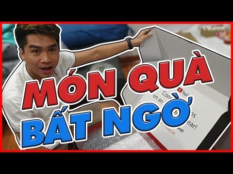 PEWPEW KHUI HỘP QUÀ BÍ MẬT TỪ YOUTUBE | Daily Vlog 66 - Thời lượng: 7 phút và 53 giây.