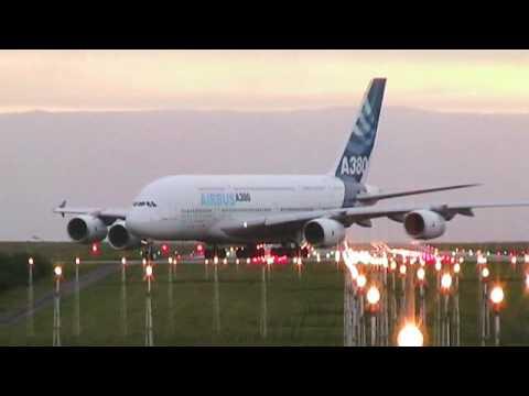 Airbus A380 crosswind landing test at Brest