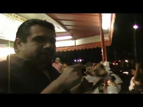 Tortas Gigantes de Quesillo (gigantic sandwich subtitled in English) Tortas de la Villa