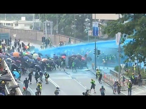 Nέες συγκρούσεις αστυνομίας και διαδηλωτών στο Χονγκ Κονγκ…