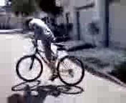 Drunk girl falls off bike