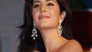 Katrina Kaif's SKIN SHOW In Dhoom 3