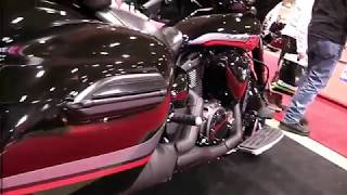 8. 2017 Yamaha V Star 1300 Deluxe ST Premium Features Edition First Impression Walkaround HD