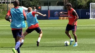 Video Haha! Neymar destroying PSG players in his *FIRST* Training with Paris Saint Germain (PSG) MP3, 3GP, MP4, WEBM, AVI, FLV Agustus 2017