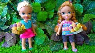 Video Elsa and Anna toddlers Easter egg hunt MP3, 3GP, MP4, WEBM, AVI, FLV April 2019