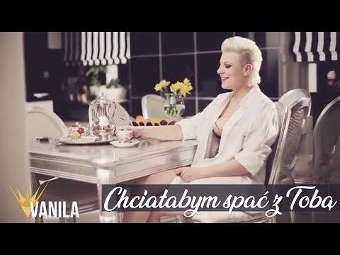 Tekst piosenki Piękni i młodzi - Chciałabym spać z Tobą po polsku