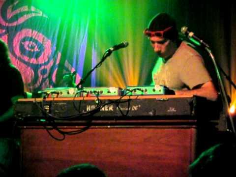 Gov't Mule - Danny Louis keyboard solo - Seattle October 2010