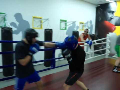 Школа любительского бокса Пивоварова Виталия. Работа в ближнем бою