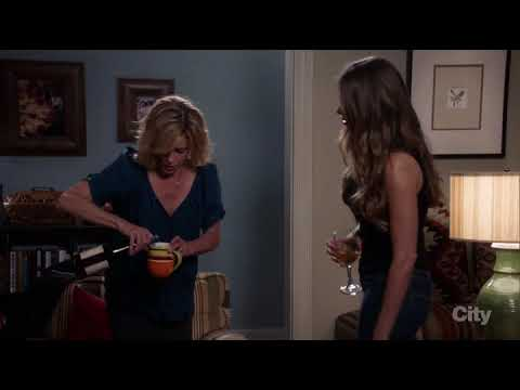 "Modern Family S08E06 - ""CLAIRE OWNS IT AS A MOM"""