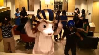 Nonton Leo & Friends (Harlem Shake) Film Subtitle Indonesia Streaming Movie Download