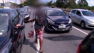 Menores que vendem produtos nos semáforos recebem assistência social em Sorocaba