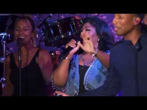 Hidden Figures Pharrell and Kim Burrell perform  I See A Victory
