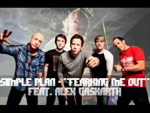 Tekst piosenki Simple Plan - Freaking Me Out po polsku