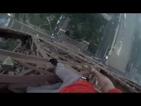 進擊的戰鬥民族 徒手攀爬巴黎鐵塔 驚險一瞬間
